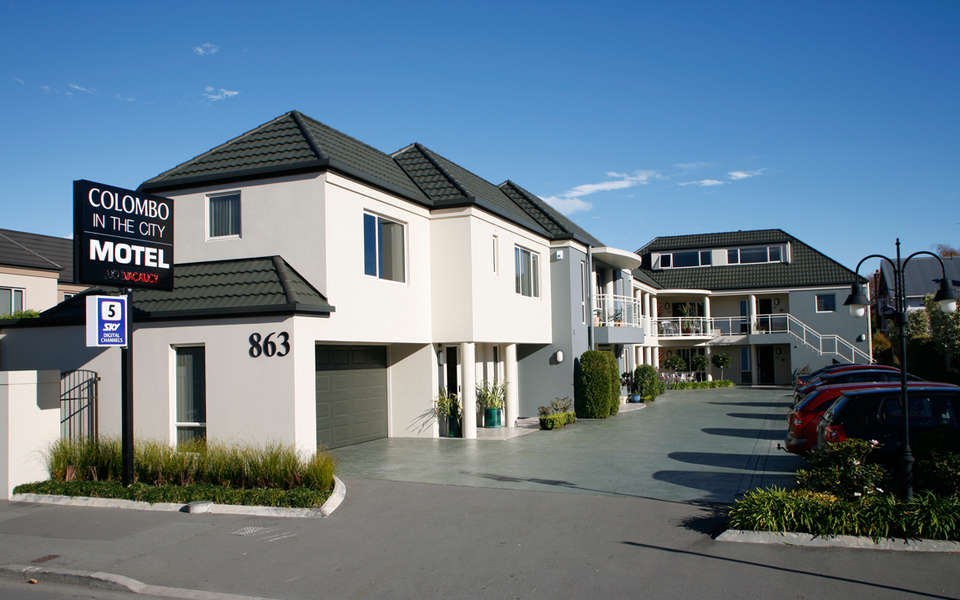 Motels apartments colombo in the city christchurch for Motel one wellness